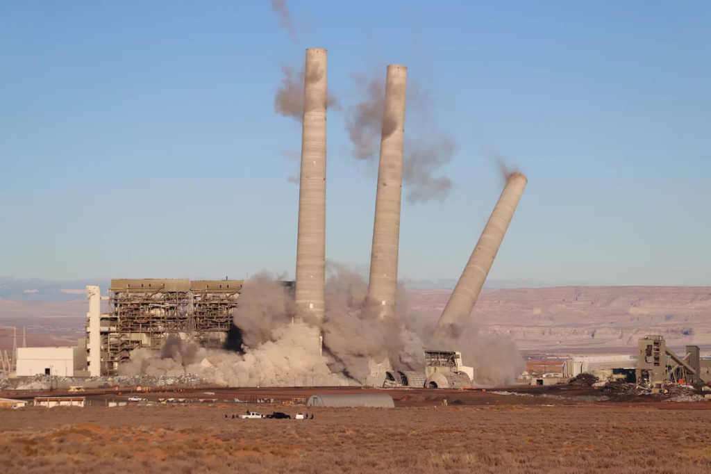 Implosion of coal plant on Navajo land December 2020